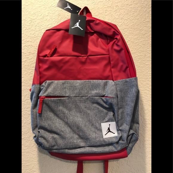 5db60377e9 Nike Bags